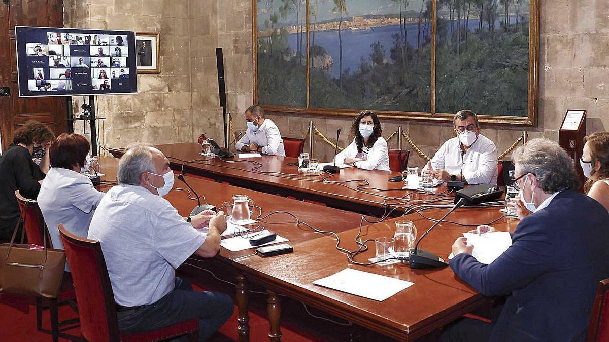 Los directores mantuvieron una reunión con Armengol y el equipo de Educación a principio de mes.