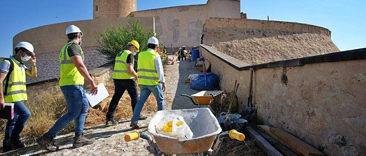 El castillo de Elda sigue inmerso en obras de restauración. | ÁXEL ÁLVAREZ