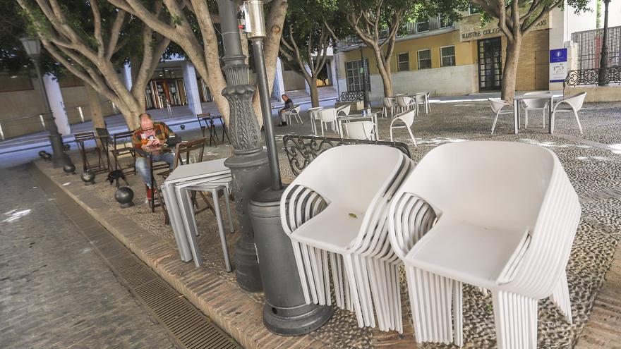 Salud Pública avisa en Orihuela de la falta de seguridad en el transporte de los temporeros