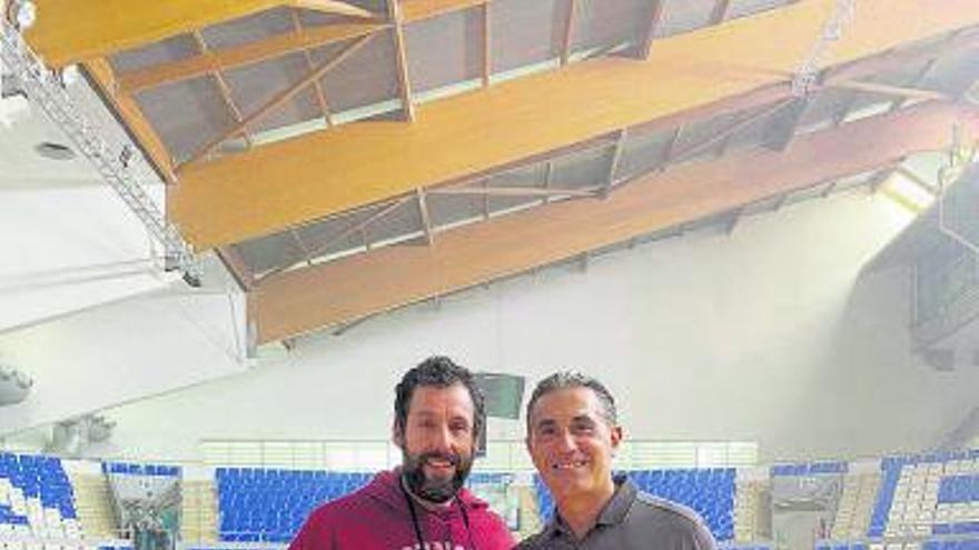 Álex Abrines y Sergio Scariolo, en Son Moix con Adam Sandler