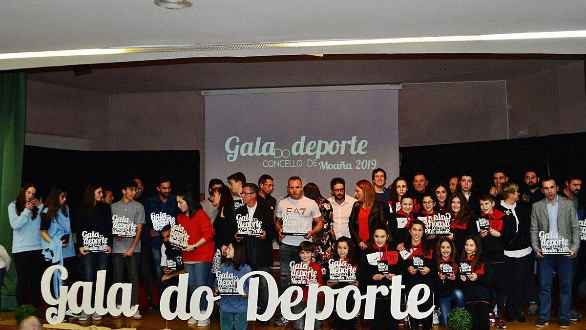 Premiados y nominados posan en la fotografía final de la pasada edición de la Gala.