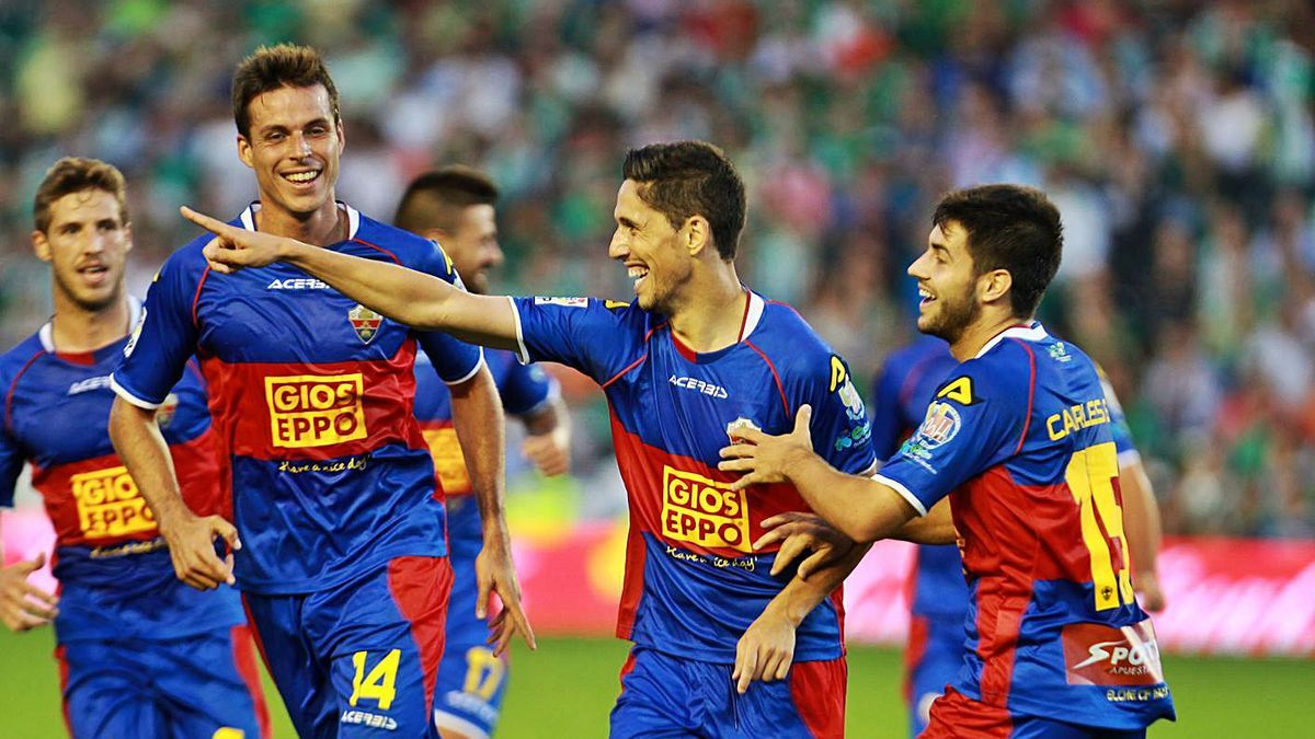 Fidel, que milita en la actual plantilla del Elche, marcó en el último partido en el Villamarín.