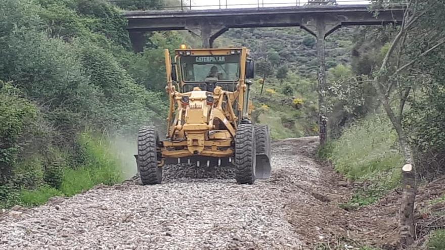 Pizarro pide que se evite la antigua vía del tren por las obras de la vía verde en Plasencia