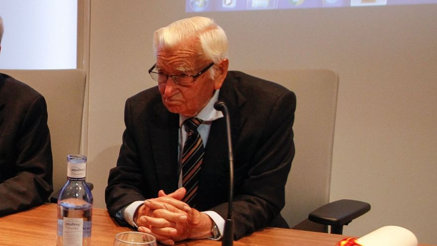 Los Defensores de Oviedo lloran la pérdida de Julio García, fallecido a los 101 años