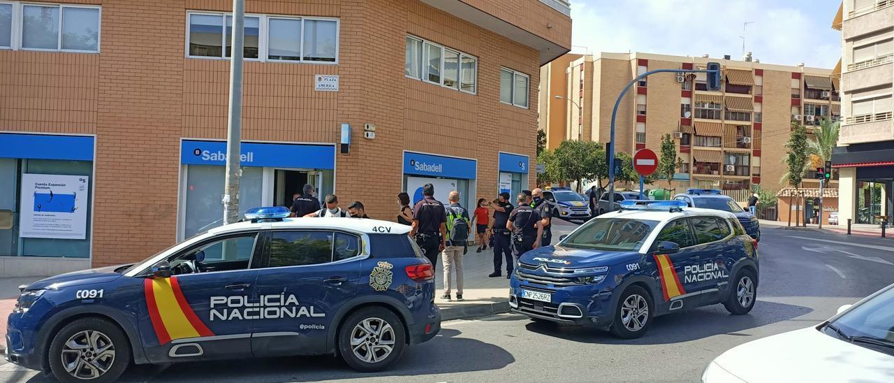 Atraco armado en la sucursal de Sabadell en Alicante
