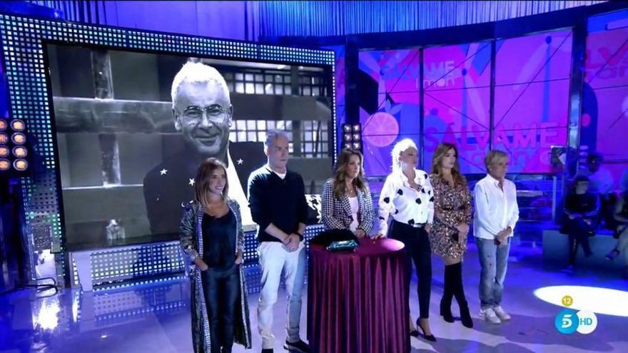 Conmoción en Sálvame por la muerte de la madre de Víctor Sandoval: el colaborador, destrozado