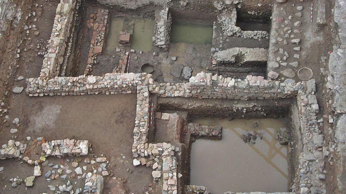Algunos de los restos romanos hallados en el sótano del Carmen Thyssen