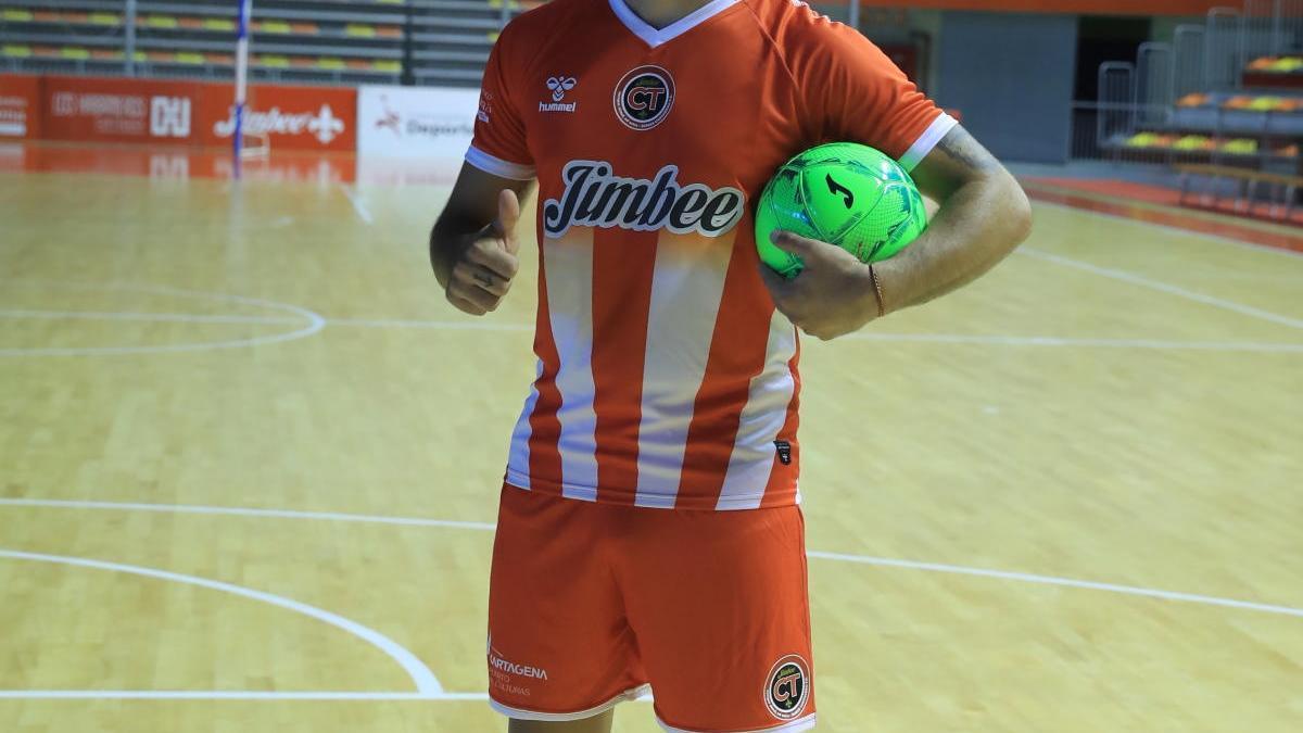 Juan Emilio, en su presentación como jugador del equipo cartagenero