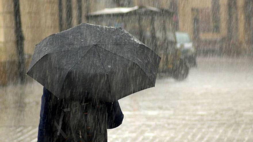 Chubascos localmente fuertes y acompañados de tormenta y granizo en Aragón