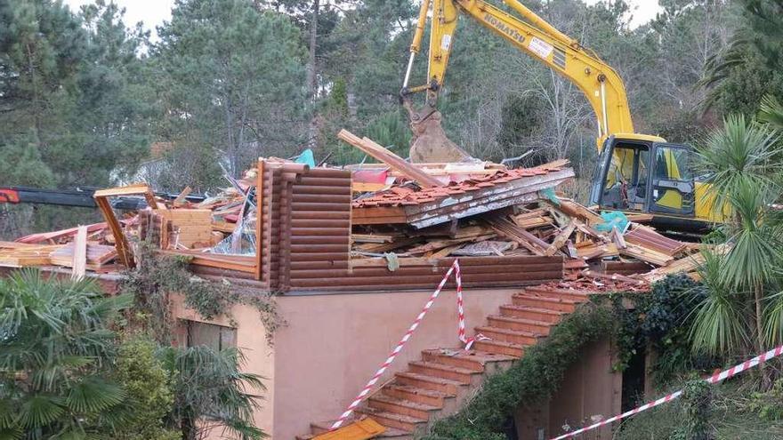 Los alcaldes cargan contra la Xunta por afear el control municipal de las obras ilegales