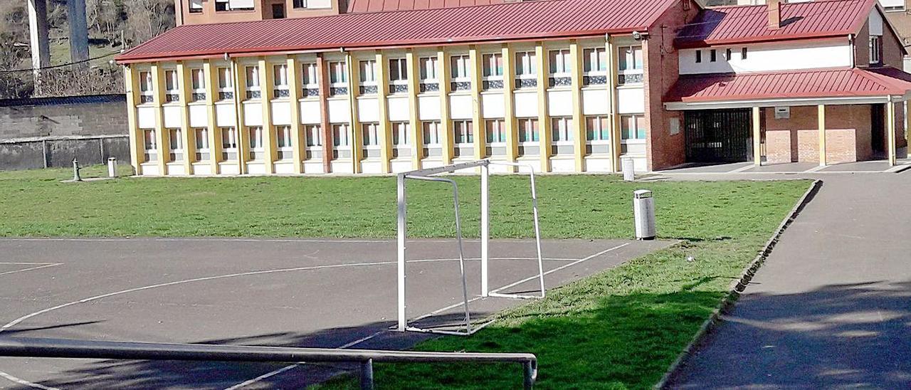 El colegio de Campomanes, en Lena.