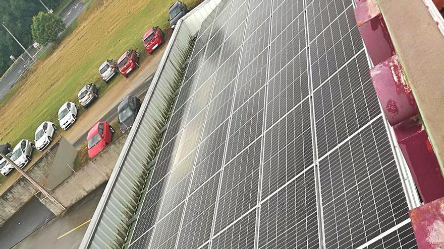 Embutidos Lalinense instala 230 paneles solares para producir el 10% de su energía