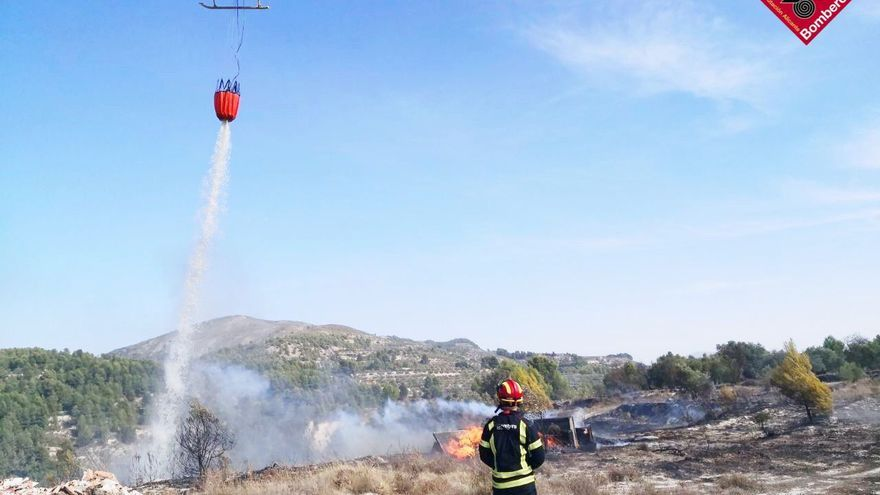 Una quema descontrolada provoca un incendio en Benilloba