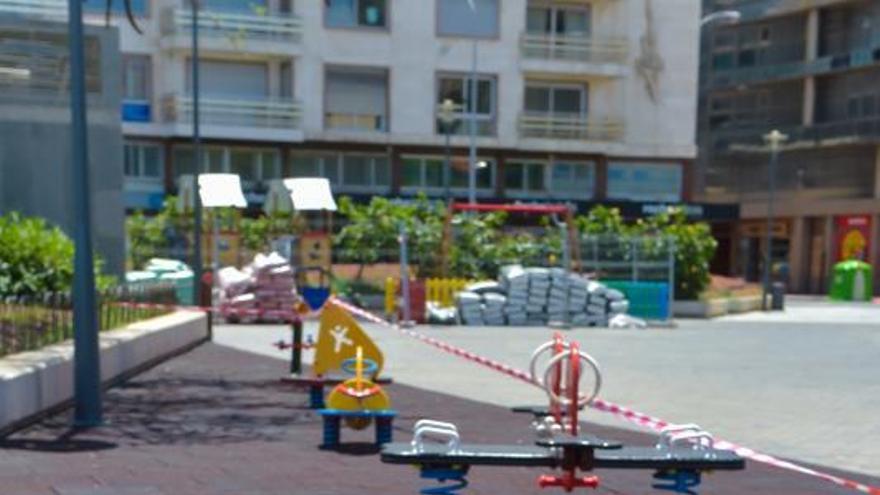La capital reabre los parques infantiles y retoma los mercadillos
