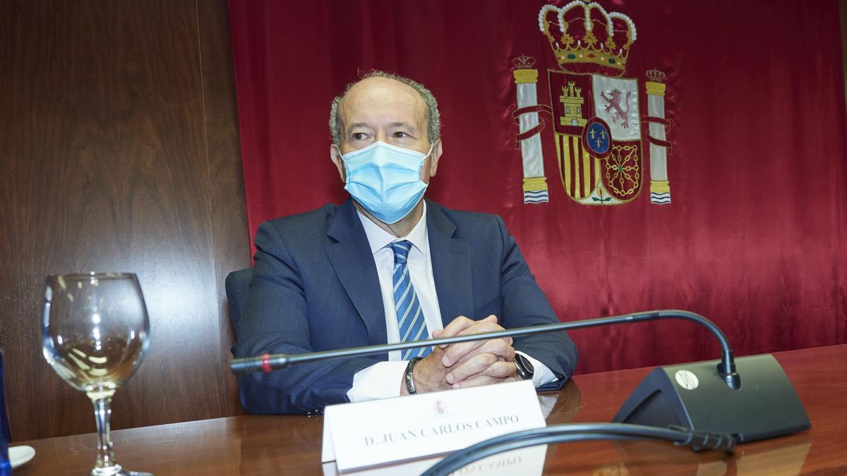 El ministro de Justicia, Juan Carlos Campo, durante una reunión con la Sala de Gobierno del Tribunal Superior de Justicia de Navarra (TSJN)