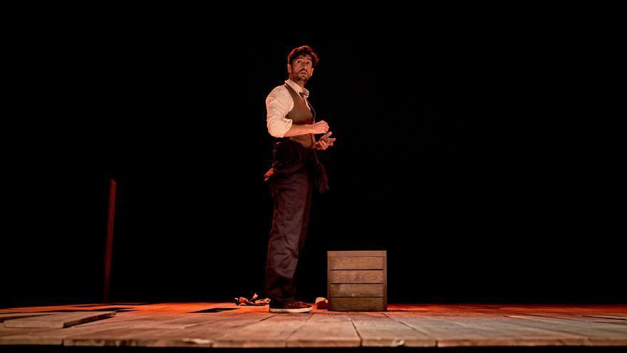 El Cervantes recibe `Una noche sin luna´ en el Festival de Teatro