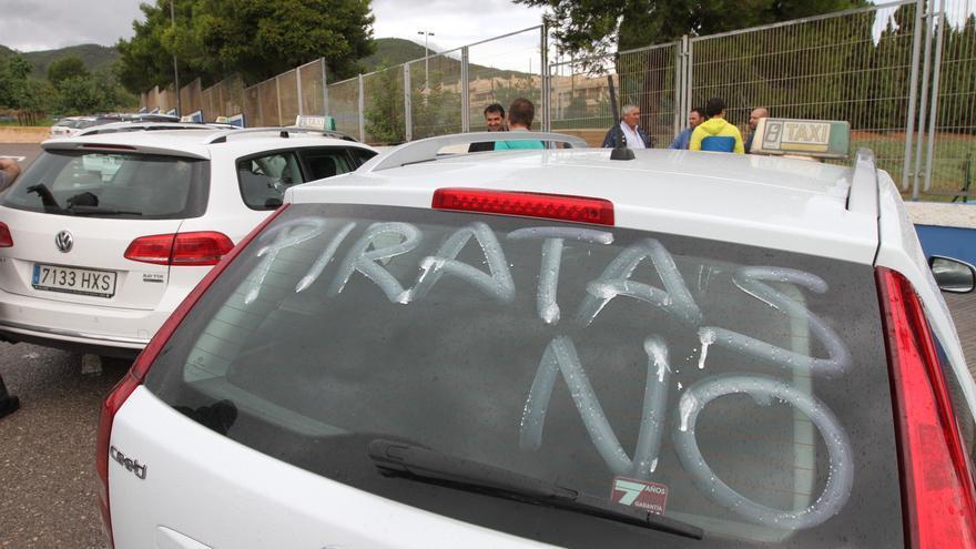 Ibiza empieza a usar lectores de matrículas para detectar vehículos usados por los taxistas pirata