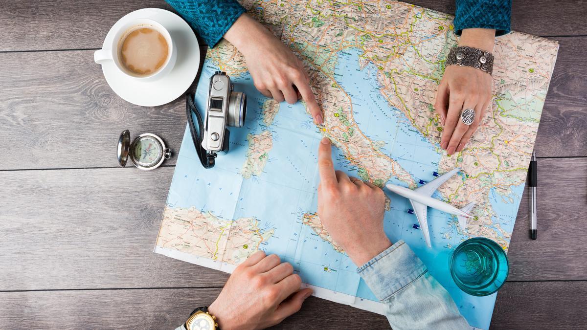 Los españoles realizaron un 47,6% menos de viajes en 2020.