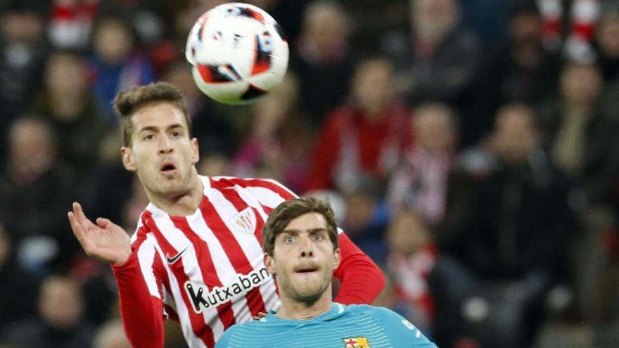 El Barça perdona un Athletic violent a San Mamés