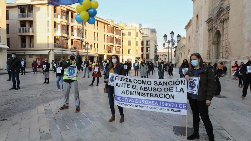 Los sindicatos del Ayuntamiento piden paralizar las oposiciones con plazas ocupadas por interinos