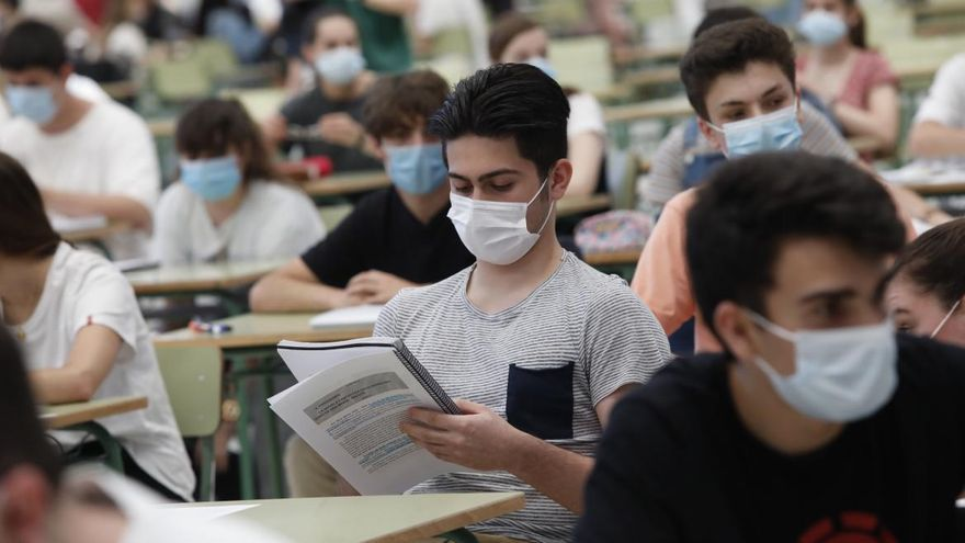 La subida de las notas de corte castiga a alumnos que hicieron la EBAU en 2019