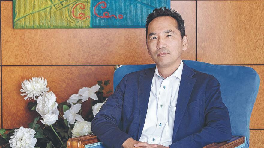 Akira Kusunok: «Además de la pesca, Japón tiene interés por las energías renovables de las Islas»