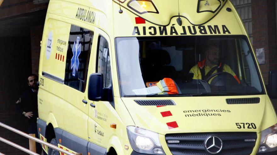 Dos ferits en un accident entre tres turismes a la carretera C-65 a Quart