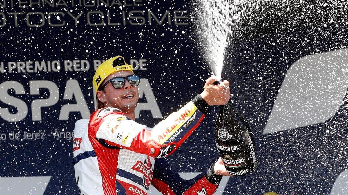 Fabio Di Giannantonio se impone en Moto2 en el Gran Premio de España.
