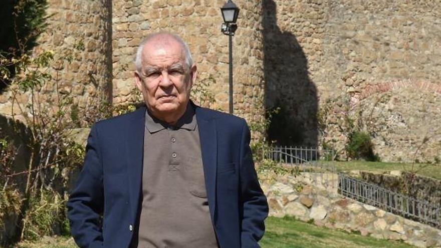 La revista 'Turia' dedica un monográfico a Gonzalo Hidalgo Bayal