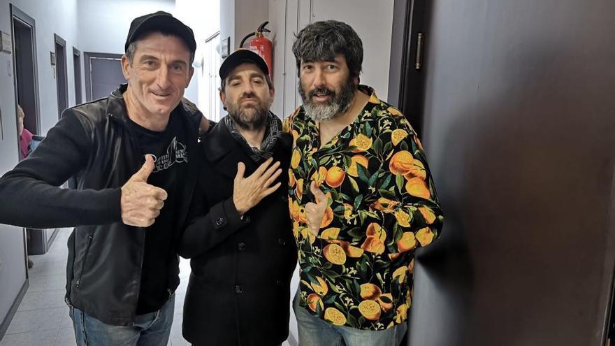 """""""Los tres mierdas"""", en Valga"""