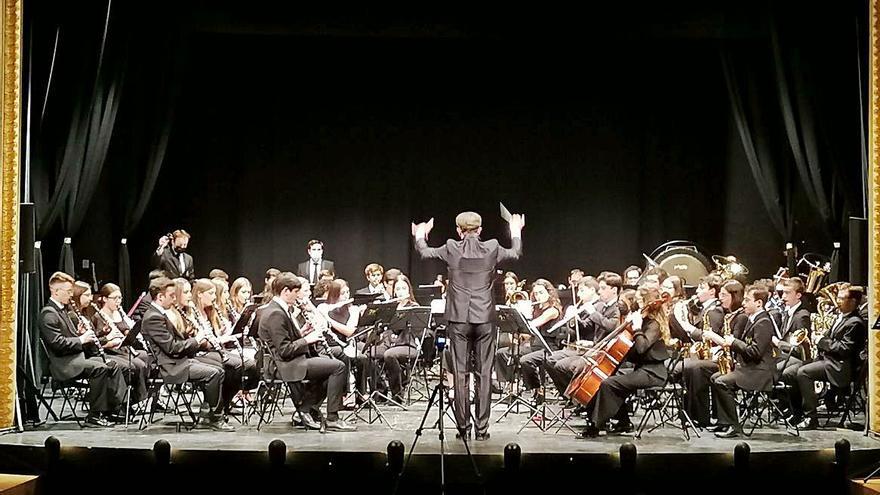 """La Banda Sinfónica de Arroyo estrena en Toro la obra """"Castilla 1521"""" de David Rivas"""