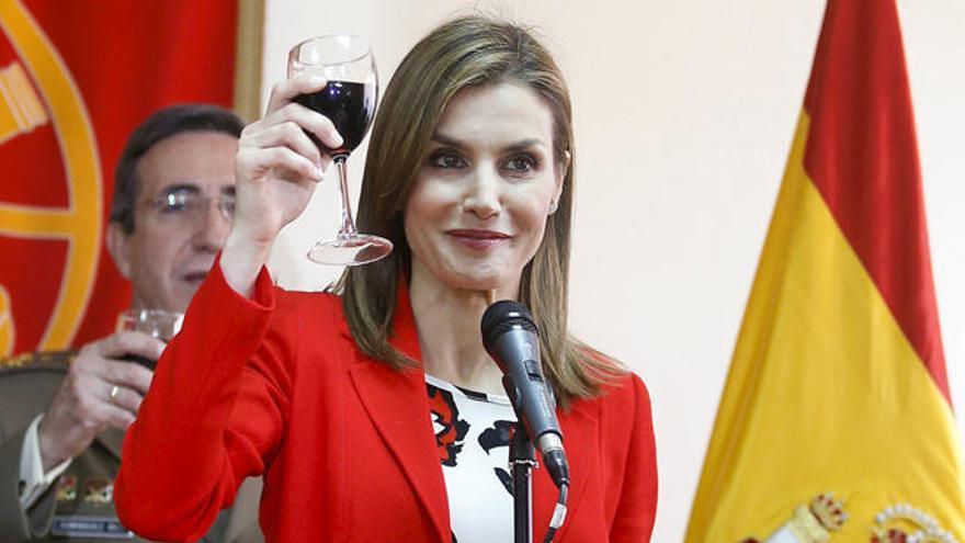 La bebida indispensable en la dieta de la Reina Letizia para cuidar su cuerpo