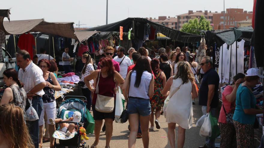 Los ambulantes dan marcha atrás y sí acudirán al mercadillo del martes en Zamora
