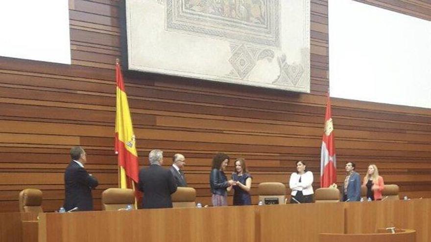 Manuela Crespo jura su cargo como procuradora