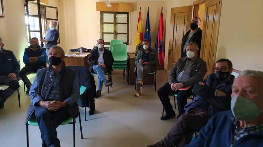 Reunión de castañicultores en Hermisende