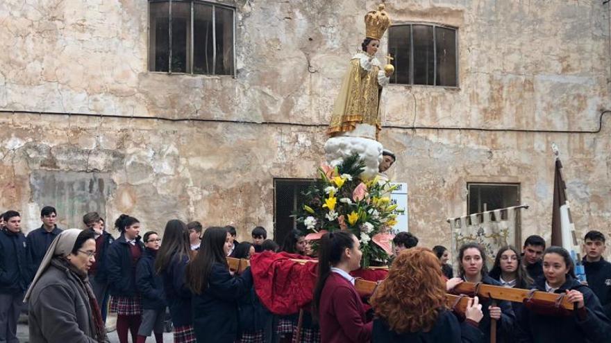Carmelitas muestra su devoción al Niño Jesús de Praga