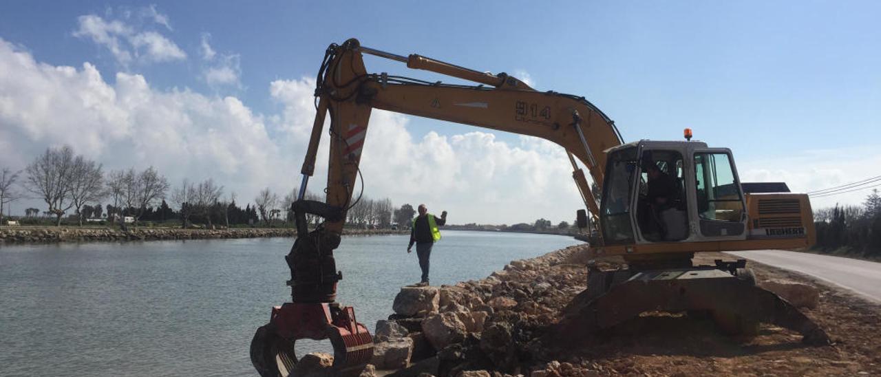 Cullera recrece el muro del río para que no se desborde