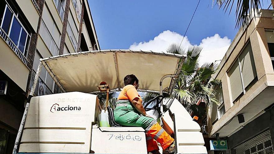 Ultimátum a los técnicos para valorar la millonaria contrata de las basuras de Torrevieja