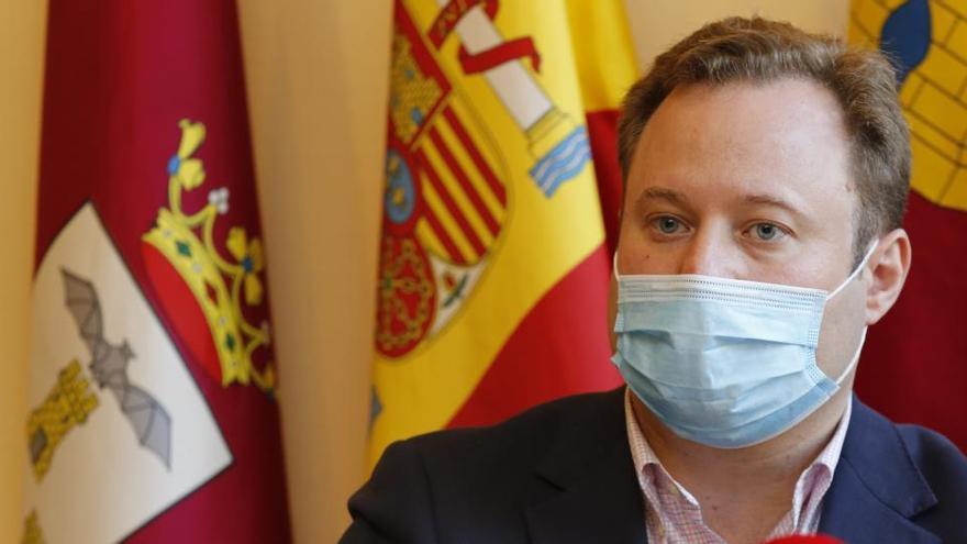 El alcalde de Albacete contrató a su propia empresa ocultando ser accionista