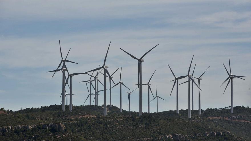 El Govern adverteix que caldran «grans projectes» de renovables al territori