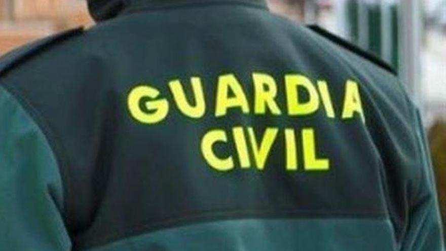 Detenido por hacerse pasar por Guardia Civil durante la compra-venta de un vehículo