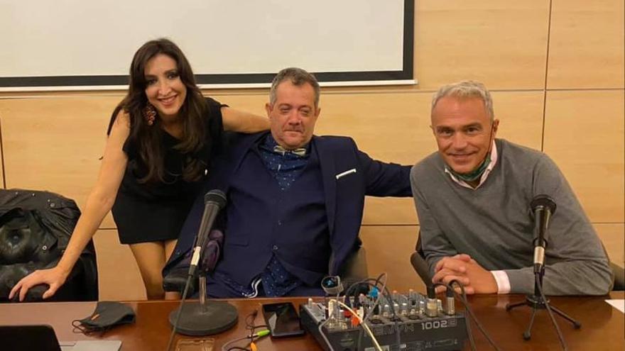 Javier Romo presenta su primer libro en Cáceres