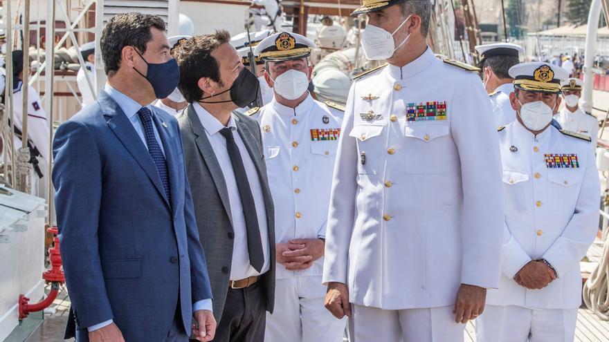 El Juan Sebastián Elcano arriba a Cádiz tras diez meses de travesía