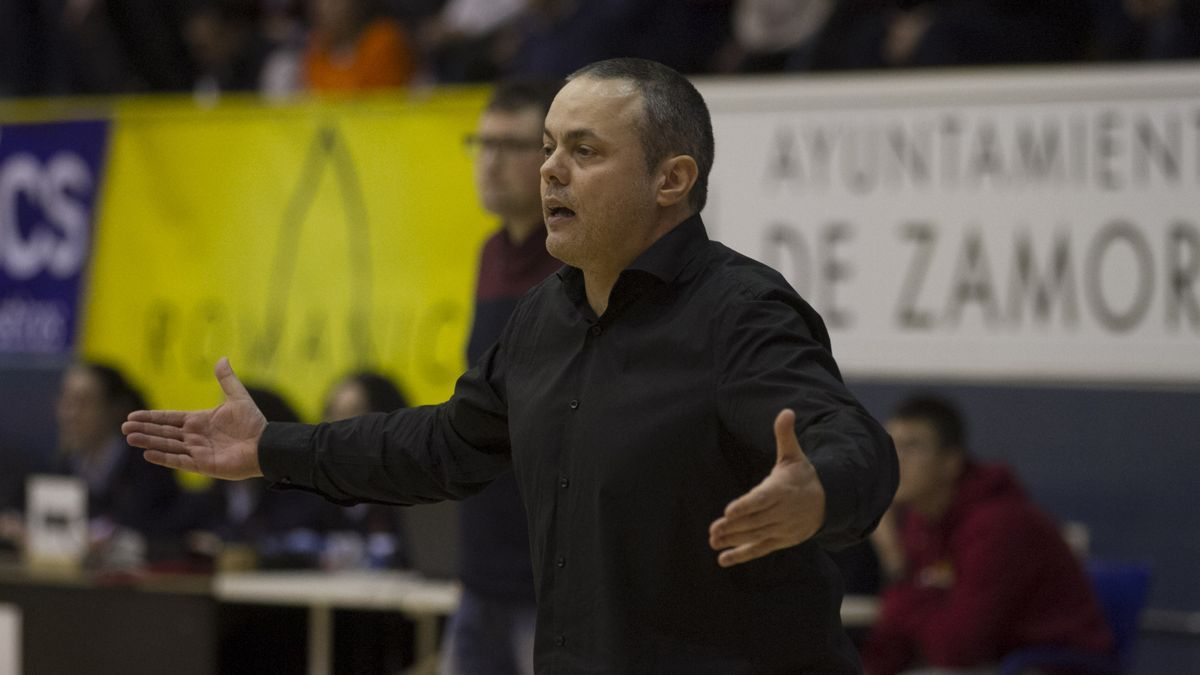 Fran García, técnico del Zamarat.