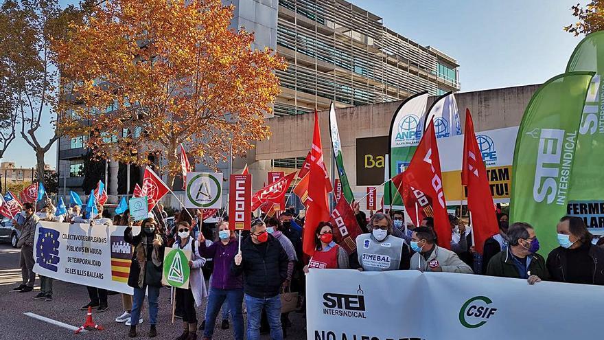 Concentraciones contra el recorte salarial a los trabajadores públicos