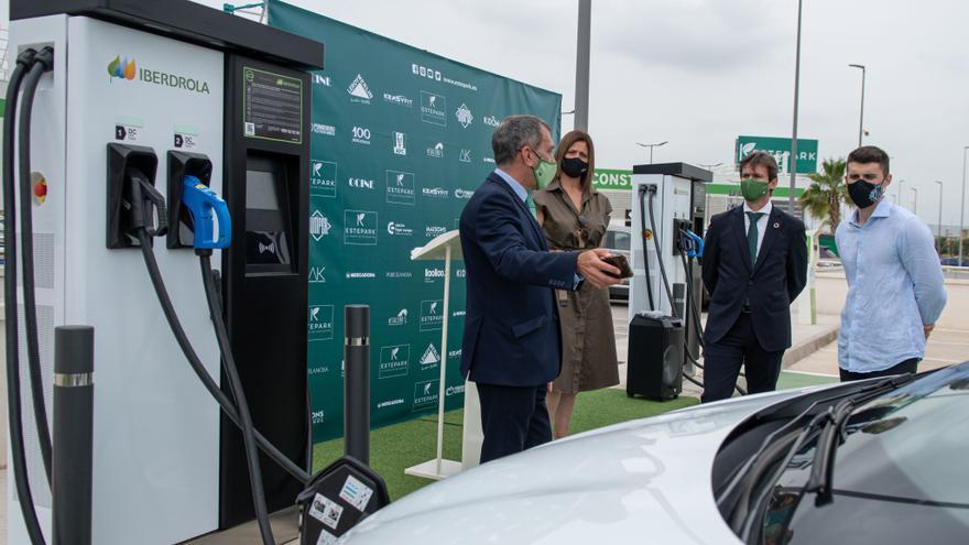 Iberdrola instala dos puntos de recarga de vehículos en el Estepark de Castelló