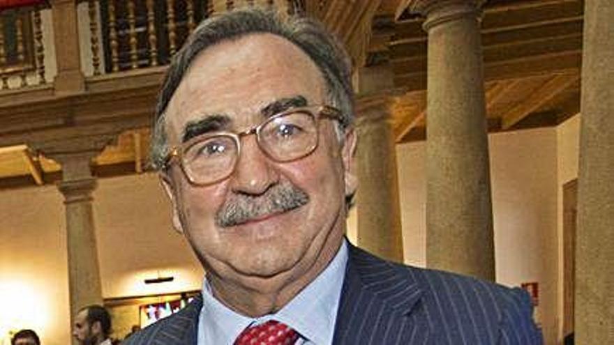 """El asturiano Blas Herrero ofrece 200 millones por """"El País"""" y la Cadena SER"""