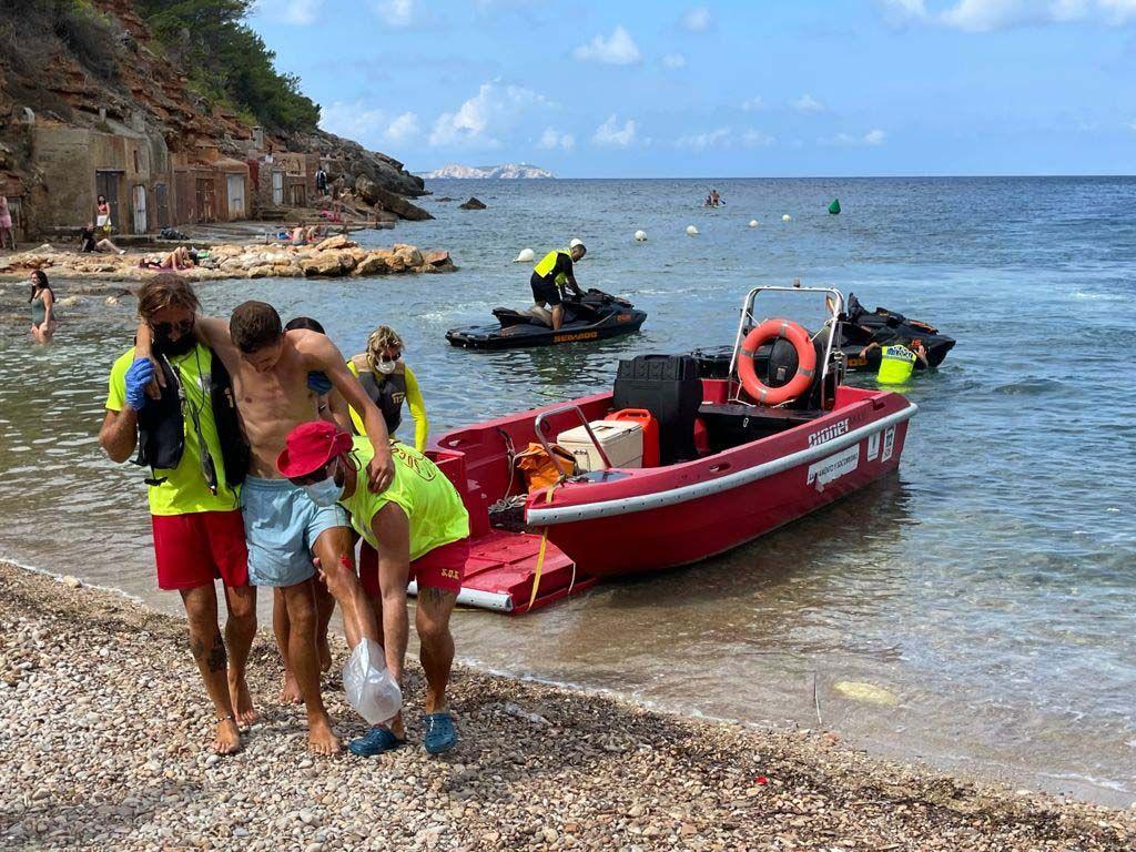 Simulacro de emergencia del servicio de socorristas de Sant Antoni
