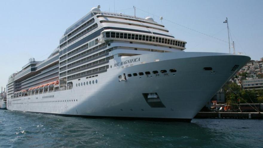 Cuatro malagueños darán la vuelta al mundo en crucero