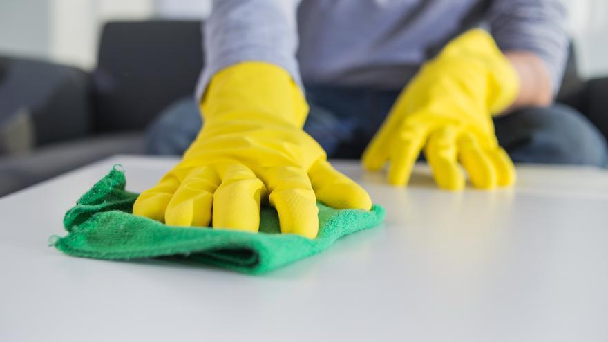 El truco para limpiar y desinfectar las bayetas